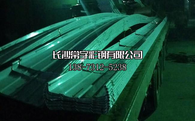 铝镁锰板加班生产发货_铝镁锰波浪金属屋面板