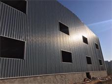 长沙彩钢瓦应用案例_长沙雨花区桃花村钢结构厂房