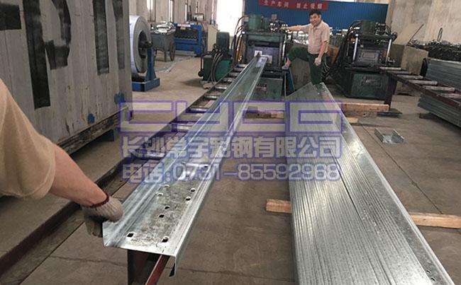 江西镀锌z型钢、江西z200型钢