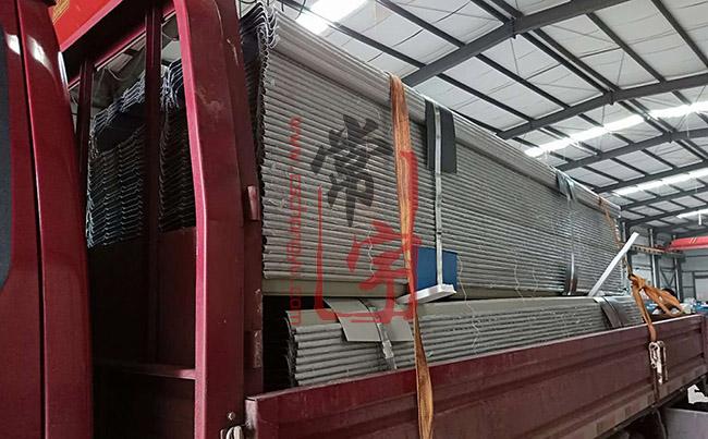 金属屋面板生产厂家-常宇彩钢,铝镁锰板定制、铝镁锰板现场加工!电话:0731-85592968