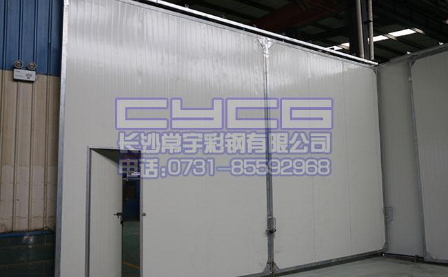 厂房彩钢夹芯板推拉大门(www.cschangyu.com)